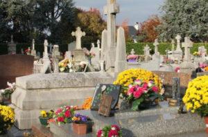 prier pour les morts et les vivants